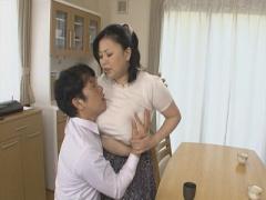 女房よりも魅力的な豊満爆乳義母と交尾する婿!
