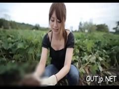 超カワイイ女の子が野外で上目遣いフェラをする! ! !