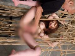 緊縛された裸体を晒す恥辱に身悶える篠田ゆう