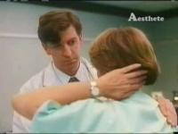 海外ドラマで触診で乳がん検診される巨乳のお姉さんのおっぱいがエロい!