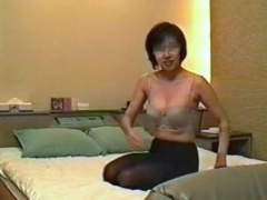 素人人妻個人撮影 一般普通な素朴主婦の変態不倫セックスが無断投稿されち...