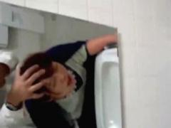 素人個人撮影 一般女子彼女がDQN彼氏にトイレでハメられアヘ顔撮影嫌がる...