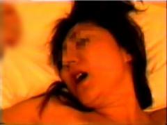 素人ハメ撮り投稿 上品セレブっぽい人妻熟女が不倫セックスアヘ姿をカメラ...