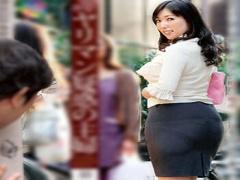 町内会のヤリマン疑惑の主婦に誘われ... 大量顔射セックス! ! 熟女人妻 巨乳