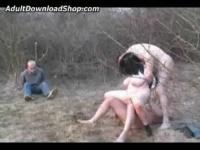 外人野外レイプ 2人の男に彼氏の前で激しく犯される爆乳デブ女