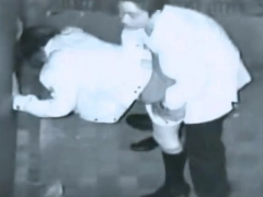 個人撮影 盗撮 深夜のマンション脇で欲情バカップルが立ちバックSEXしてた...