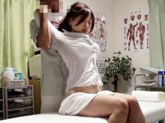 盗撮 頸椎捻挫で整体院を訪れた美人OLが衣服を脱がされ卑猥な恰好で身体を...