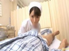 ナース 患者さんのチンポを清拭し口で固くして騎乗位で挿入し中出しで性交...