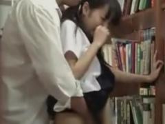 図書館でお下げのセーラー服JKをレイプ痴漢動画