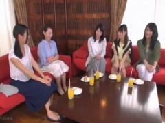日本を代表する熟女AV女優が大集結! 絶対に聞けない本音のガールズトーク...