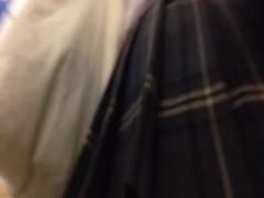盗撮の個人撮影 少女たちのスカート中を盗み撮り 素人制服少女のパンチラ