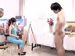 CFNM ヌードモデルで女の前でちんちん丸出し! 恥ずかしくて勃起しちゃう