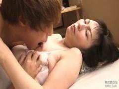 熟女 睡眠中の息子のペニスを味見する六十路母