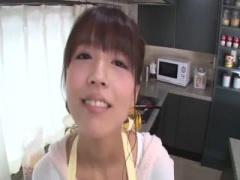 可愛すぎる僕の彼女は人気の国民的アイドル! 朝から台所で朝勃ちんぽをフ...