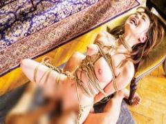 緊縛された裸身を蹂躙される恥辱と快楽に吉沢明歩が絶叫昇天