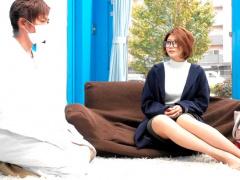 29歳セレブ人妻さんが乳首マッサージに悶絶! 止まらない性欲に生ハメ撮り!