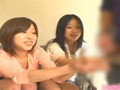 初めてのセンズリ鑑賞に挑戦するウブな素人娘 優花&美喜