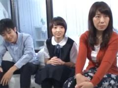 ひろこ43歳 母娘と童貞息子が親子丼3Pミッションに挑戦!