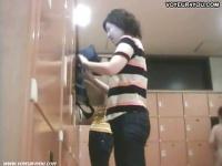 熟女、人妻たちが銭湯の脱衣所で見せる生まれたままの姿を盗撮