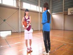 桐谷まつり バスケ部のコーチに特訓と騙されて、汗まみれでハメ潮吹きしち...