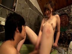 久しぶりに一緒にお風呂に入りたい と母親を誘い、数年ぶりの親子風呂で母...