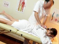 デカマラ中年施術師の性感マッサージでオマ◯コ汁を垂れ流す美人妻www