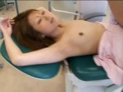 悪徳猥褻歯科医が助手を麻酔で眠らせハメ撮り