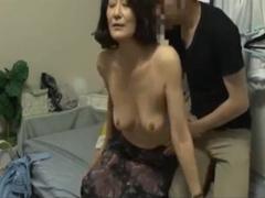 隠し撮り おばさんレンタル 56歳由紀さんと疑似母子○姦プレイで生挿入中出し!