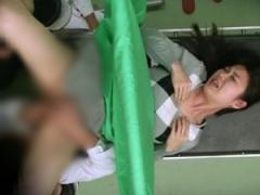 盗撮動画 産婦人科に診察に来た美人妻が変態医師にガチレイプされる様子を...