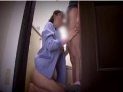妻の同僚に欲情するバカ夫! 妻が席を外した瞬間にトイレへ連れ込み襲い掛かる