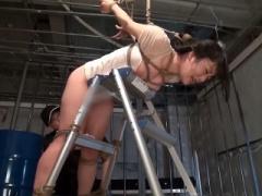 シーン1は白桃心奈さんが簡易はしごに拘束されての拘束ファックSM! シーン...