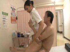 膣を使って患者のチンポを治療する美人看護師さん
