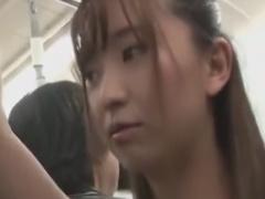 ちょいむっちり女子大生を手マン痴漢&電車レイプ動画