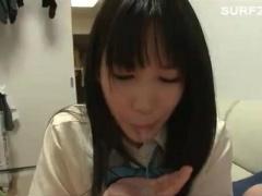 可愛い黒髪清楚な妹系美少女JK 手コキ&フェラ抜き! お口まんこの唇と歯茎...