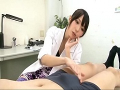 美人女医のどエロ診察。。。保険料全額負担でいいから診て欲しい。。。
