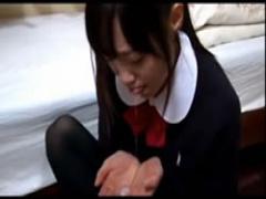 初フェラで口内射精される女子校生