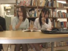 図書館でメガネJKと母親をまとめて痴漢レイプしちゃう動画
