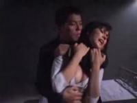黒髪ロングのハーフ女優の尻をしばく動画