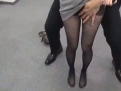 レイプ中出し 色白美熟女人妻OLが黒パンスト穿いて残業するから、同僚男子...