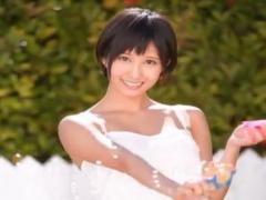 人気女優の莉久ちゃんが初々しいくてカワイイ姿に萌えますよ