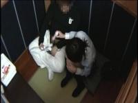 個室ビデオに女子校生を連れ込んでAV観ながら発情セックス!