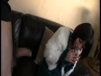 ベビーフェイスなお姉さんがチ○ポ2本同時にフェラって口内射精