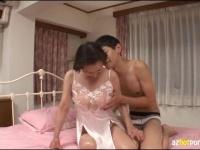 10年以上セックスレスの還暦熟女の初撮り! 混浴で手コキ抜き! ピンク乳首...