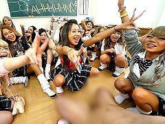 乱交 目の前に飛び込んできた光景は、全員GALの女子校生とGAL先生! ! 自己...