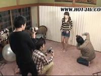 某サークル主催のコスプレ撮影会でキモオタカメラマン達が興奮して…