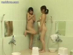 女子少年院のお風呂で行われる性的いじめ。入浴中におしっこをしたと因縁...