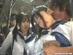 バスの中で痴漢男に目を付けられた女子校生が追跡レイプされる! 家の近所...