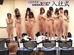 SOD女子社員 人前で服を脱いだ事なんて無い一般人が、いきなり羞恥企画