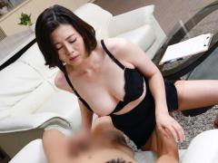 熟女セックスカウンセラーが患者のチンポを超絶フェラテクでねぶりまわす...