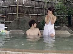 混浴温泉に男女で使って友達の垣根を越えてセックスに至るか検証エロ企画